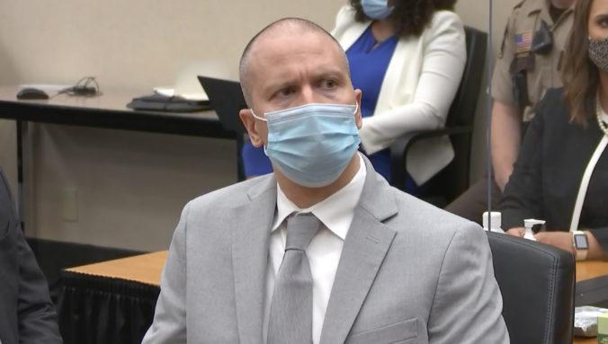 Expolicajt Chauvin sa plánuje voči odsúdeniu za zabitie Floyda odvolať, sudca mal zneužiť svoju právomoc