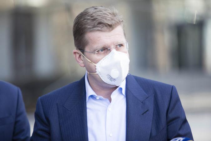Polícia zadržala rodinného príslušníka exministra hospodárstva Petra Žigu