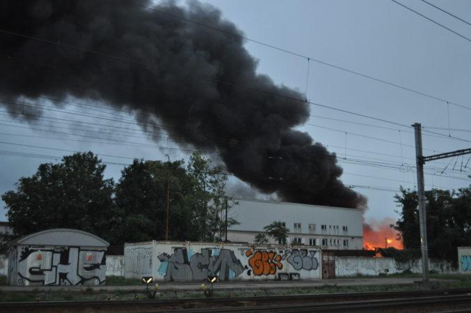 Polícia stále vyšetruje veľký požiar spred dvoch rokov v Trnave, firma ani nezaplatila pokutu