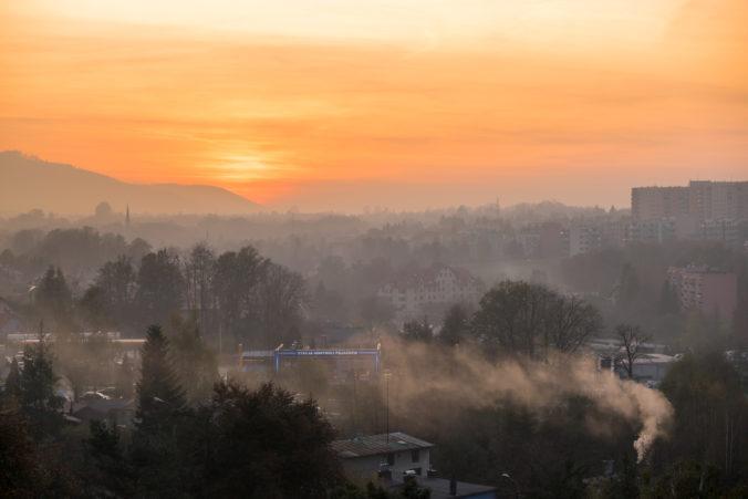 Znečistenie ovzdušia je ešte nebezpečnejšie, než sa predpokladalo, varuje WHO. Každý rok zabíja milióny ľudí