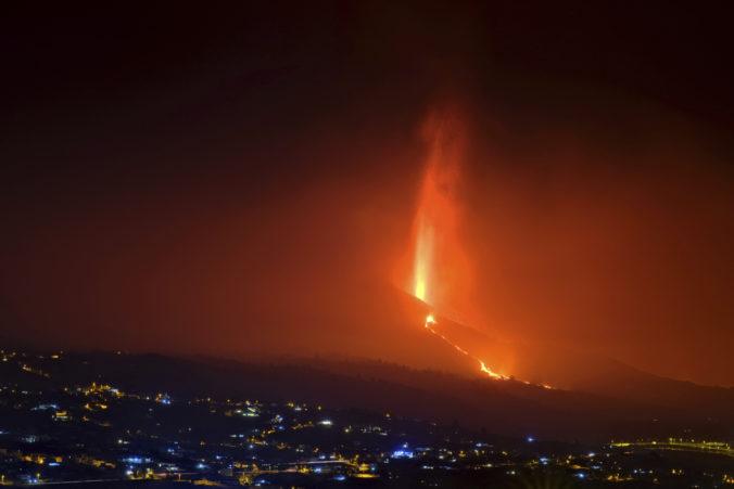 Sopka na La Palme zničila viac ako 500 budov, podľa vedcov vstúpila do fázy nízkej aktivity