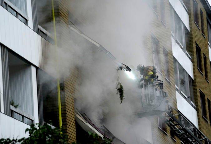 Bytovkou v Göteborgu otriasol mohutný výbuch, pri explózii sa zranili desiatky ľudí (video+foto)