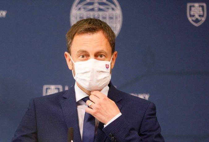 Ficove vyhrážky občianskymi nepokojmi považuje premiér Heger za drzosť