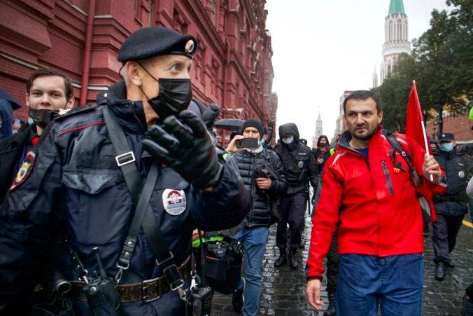 Ruskí komunisti napadli výsledky internetového hlasovania parlamentných volieb v Moskve