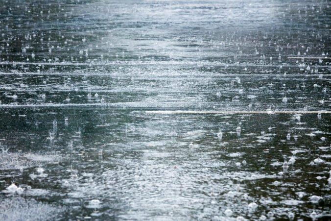 Extrémne silný dážď spôsobil v Ľubľane povodne, voda zaplavila viac než päťsto budov