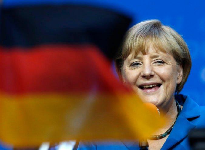 Demokracia tu nie je, vyhlásila Merkelová. Podľa kancelárky na nej musia Nemci naďalej pracovať