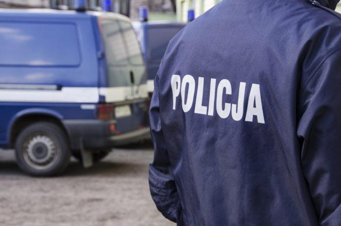 Poľský novinár sa mal vyhrážať poslancom, jeho veci skonfiškovala polícia
