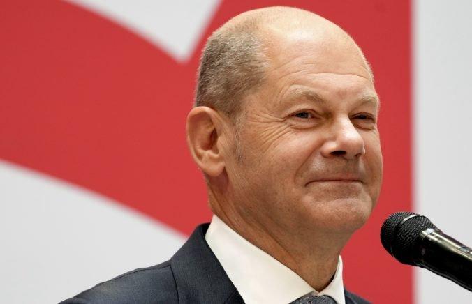 """V Nemecku už naplno odštartoval povolebný """"rokovací kolotoč"""", Scholz chce novú vládu do Vianoc"""