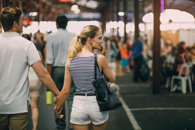 Austrália sa opäť otvorí zahraničným turistom, prednosť však dostanú študenti a kvalifikovaní migranti