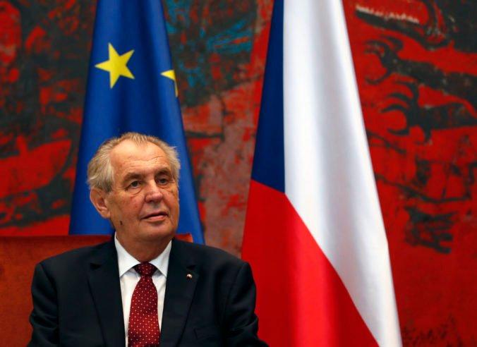 Český prezident Zeman nepôjde do volebnej miestnosti, presvedčil ho osobný lekár