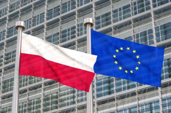 Legislatíva v Poľsku je v rozpore so zákonmi EÚ, ústavný súd ukončil mesiace súdnych konaní