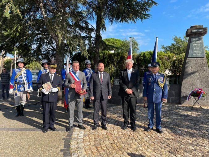 Naď si pripomenul protifašistický odboj 1. československej divízie vo Francúzsku, udelil aj ocenenie in memoriam