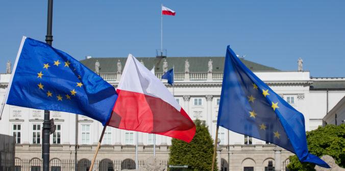 Poliaci by mali dodržiavať pravidlá Európskej únie, odkazujú Nemecko a Francúzsko