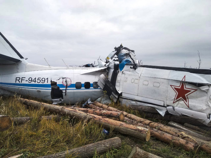 V Rusku padlo lietadlo s 22 ľuďmi na palube, väčšina pasažierov je mŕtva