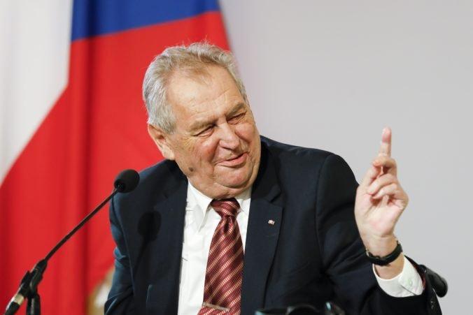 Prezident Zeman je v stabilizovanom stave, objavili sa aj špekulácie o operácii