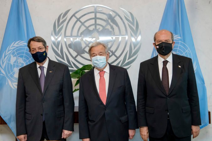 Pandémia koronavírusu spôsobila chudobu miliónov ľudí, Guterres vyzval krajiny na podporu očkovania