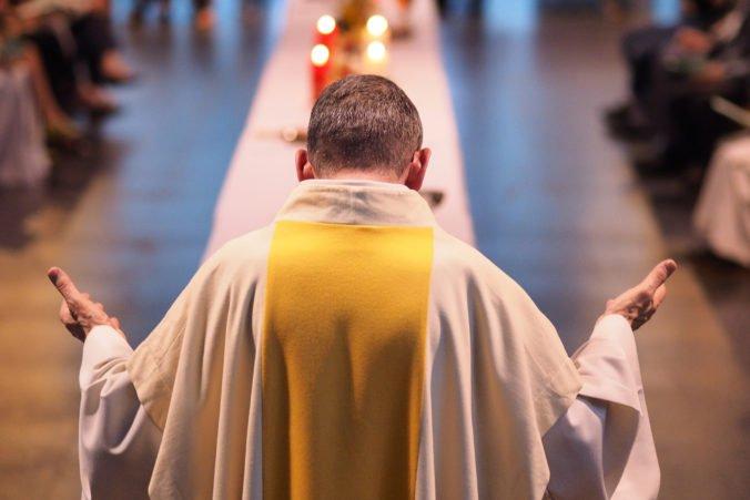 Vatikán nemožno v prípade sexuálneho zneužívania kňazmi žalovať, štát chráni imunita