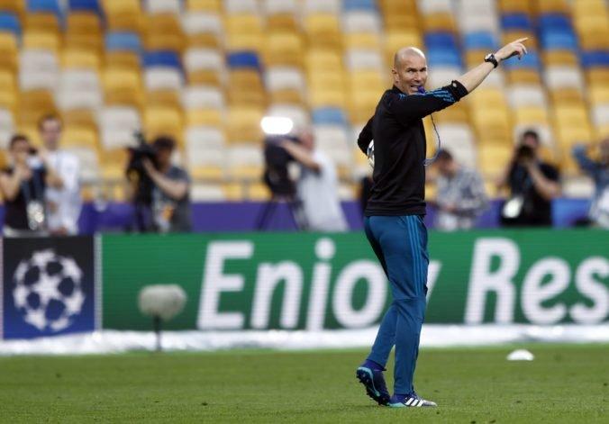 Noví majitelia Newcastlu United vraj lanárili bývalého kouča Realu Madrid, Zidane však odmietol