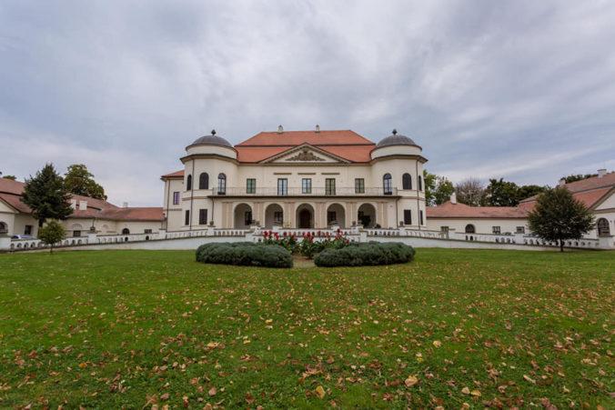 Rekonštrukcia Zemplínskeho múzea v Michalovciach pokračuje, Zimná záhrada je už hotová
