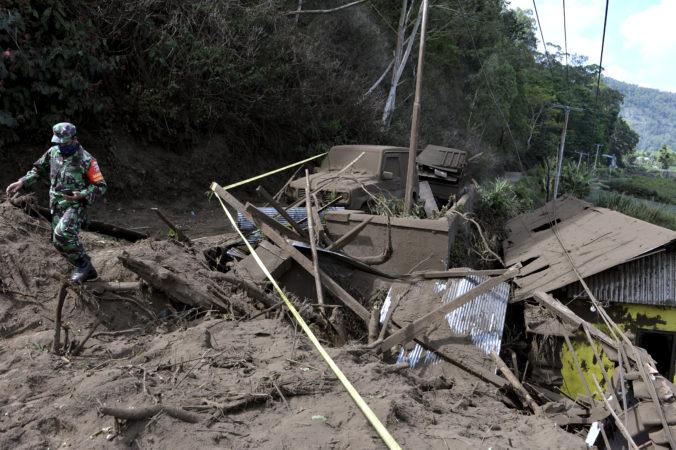 Zemetrasenie udrelo na indonézskom ostrove Bali, ničilo domy a vyžiadalo si ľudské obete
