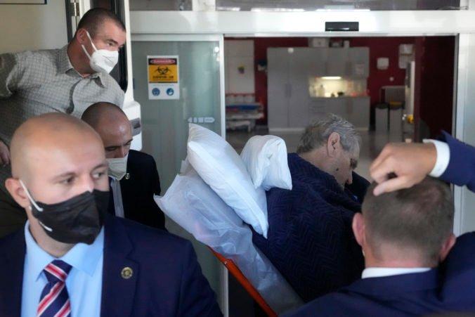 Zeman nebol pri prevoze v bezvedomí, vyvracia Mynář lži o hospitalizácii prezidenta