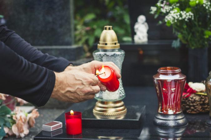 Banská Bystrica pripravila trh k Pamiatke zosnulých, na cintorínoch zas pribudnú rôzne novinky
