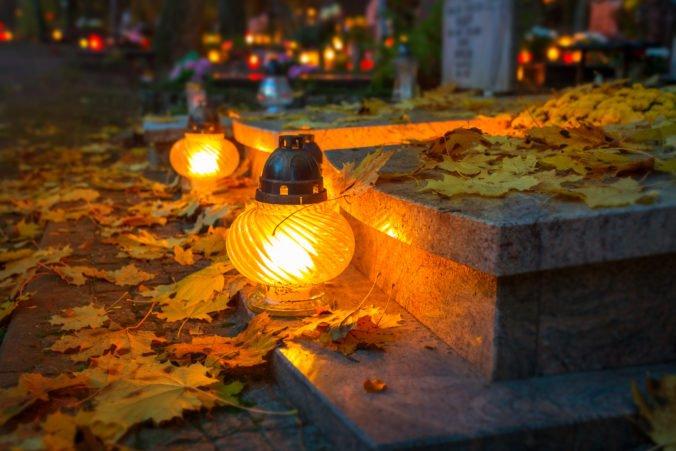 Trnava cez sviatky predĺži otváracie hodiny cintorínov, dodržiavať však treba nariadené opatrenia