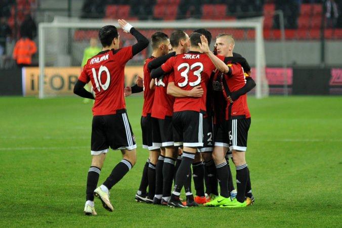 Trnava sa ďalším víťazstvom dotiahla na vedúci Slovan, Pohroniu napálili góly obaja útočníci