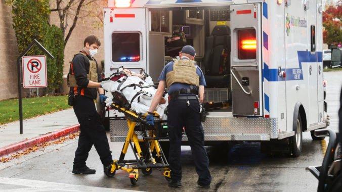 Streľba v nákupnom centre v Idahu si vyžiadala dvoch mŕtvych, podozrivý páchateľ leží so zraneniami v nemocnici