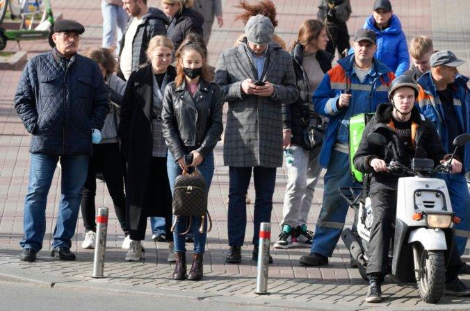 V Belgicku stúpli denné počty infikovaných až o 75 percent, krajina uvažuje o sprísnení opatrení